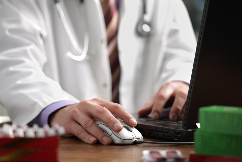 NHSE публикует инструментарий для проведения онлайн-консультаций врача общей практики