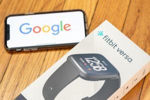 Министерство юстиции США рассмотрит вопрос о приобретении Google производителя смарт-часов Fitbit