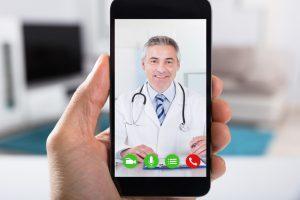 В эпоху COVID-19 врачи почти отказались от очных приемов в пользу цифровых консультаций